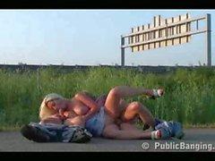 Public_sex__street_threesome