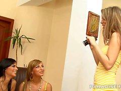 LES FILMS PARADISE Beaux en chaleur lesbienne Filles