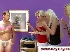 Menor la humillación pene Cfnm Mujeres Dominantes