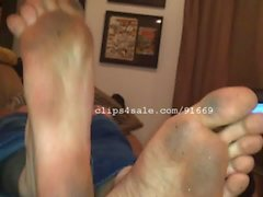 Foot Fetish - Cliff Jensen Feet Video 1