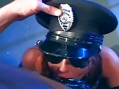Брюнет в военной форме чертовски по латекс белье