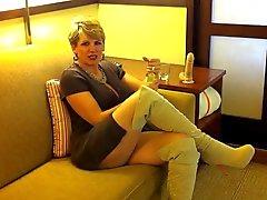 Hotel masturbation 37 years old agent Michell
