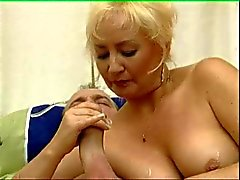 Mature Woman Have Fun 03 BoB
