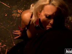 Winnie Thramps loves to get pounded