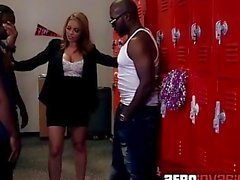Blowbanging Teacher in the Locker Room