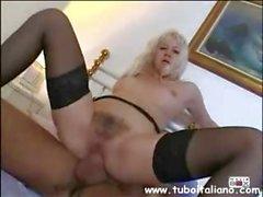 Italian Blonde Pompa Ragazza Roma