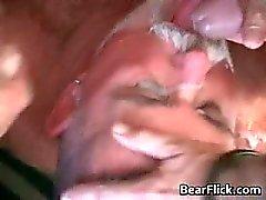 Spannende gangbang sex video met vier part2