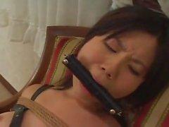 jeune etudiante japonaise bondagee et baisee pervers