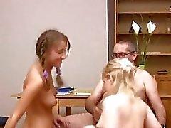 Naked teen för flicka