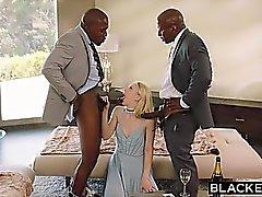 En blackout Undergiven flickvännen bestraffas med båda svarta män
