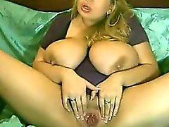 Chubby bionda con alcuni Big Tits