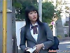Asian scolara e suo schiavo Maschi