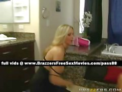 Потрясающие зрелая блондинку супруга в ванной комнате