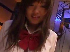 Adolescente japonês recebendo algum doggystyle