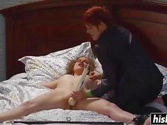 Lily Cade nauttii lesboistunnosta
