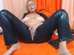 A Cute Milf Model In Homemade Porn Show