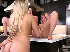 Four teen lesbians eat each other out