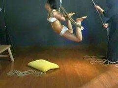 Китайская девочка в тяжкой работы