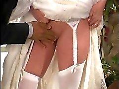 Braut fickt ihm die Hochzeitsfoto