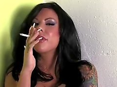 Maçon de Moore tabagisme Ongles long