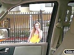 De gros seins étudiant blondie Sam étés sexuels public en étranger