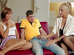 Tina Hot s gorgeous step mom shows how to give head