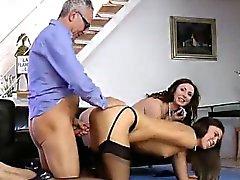Зрелая Британская подростка леди акций в мужу