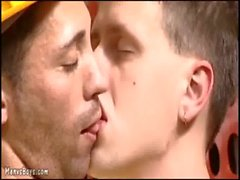 Horny boy lures old gay into some hard quickie sex