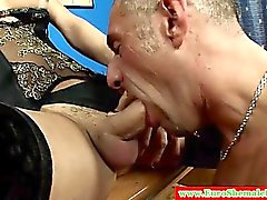 Italian tranny sucked before fucking ass