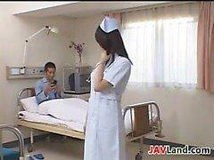 Infirmière du Japon sexy avec la Grande Les seins