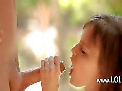 Wow droom meisje eet enorme lul buitenshuis