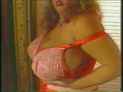 Suzi Big Bra 2