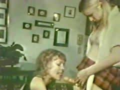 Lesbian Peepshow Loops 534 70's and 80's - Scene 3