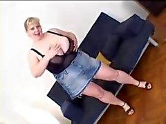 Juin de Kelly Tits monstres