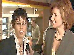 Sarah Shahi tutkuyla Katherine Moennig öpüşme lezbiyen