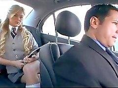 Amerikaanse Schoolmeisje cheats haar vriendje met een Russische