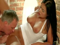 Naughty masseuse enjoys the soixante neuf position during a massage