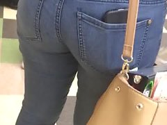 Nice Ass in Tight Jeans