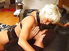 Eva Delage - française la femelle mûr fait baiser