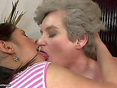 Pussy lick fun with mature Aliz and young Connie Carter