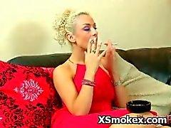Seksi Derin Smoking Hot Fetiş