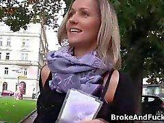 Große Brüste blond hart durchgefickt in der öffentlichen Wahrnehmung