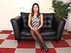 Élégante, japonaise, femme, noir, collant, montre, sien ...