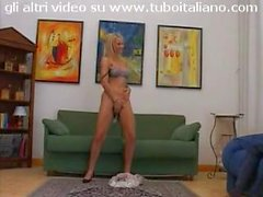 splendida Federica Tommasi kissing and solo