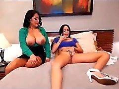 Kiara Mia threesome