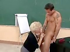 Hot Mamie puma Teacher Banging in Classe