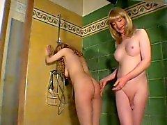 Tranny fisting woman