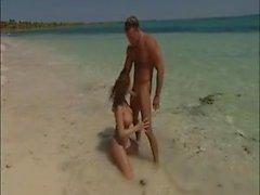roberta gemma sesso in spiaggia