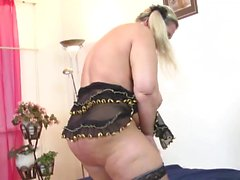 Mature fat slut loves to masturbate
