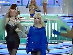 strip show Issabella